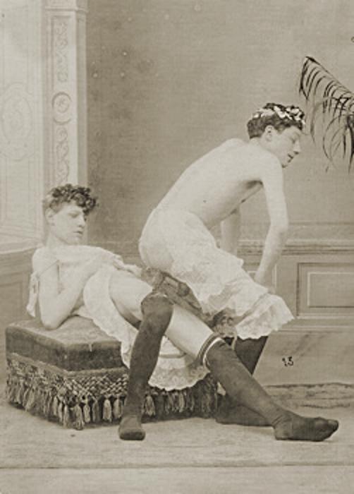 Free desktop wallpaper background of nude women